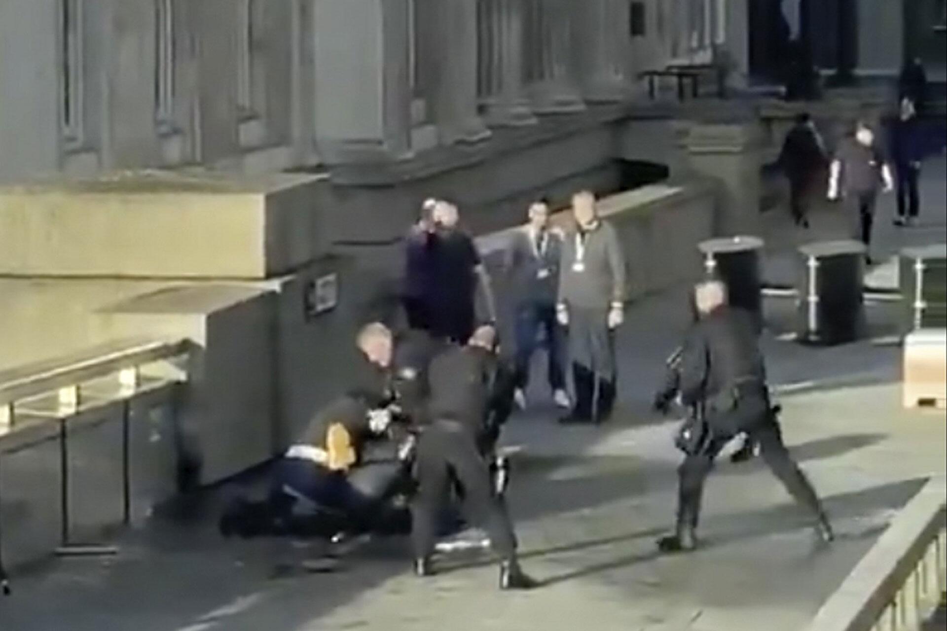Bild zu Schüsse bei Zwischenfall in London