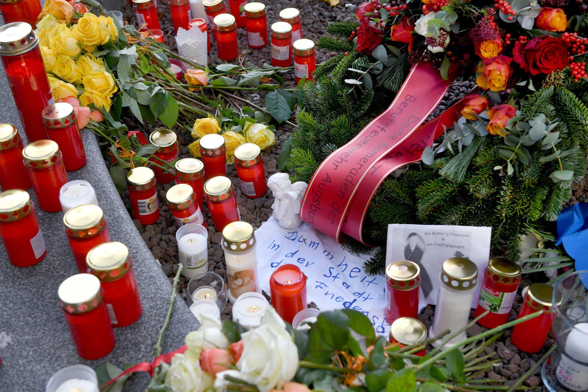 Bild zu Trauer am Königsplatz Augsburg