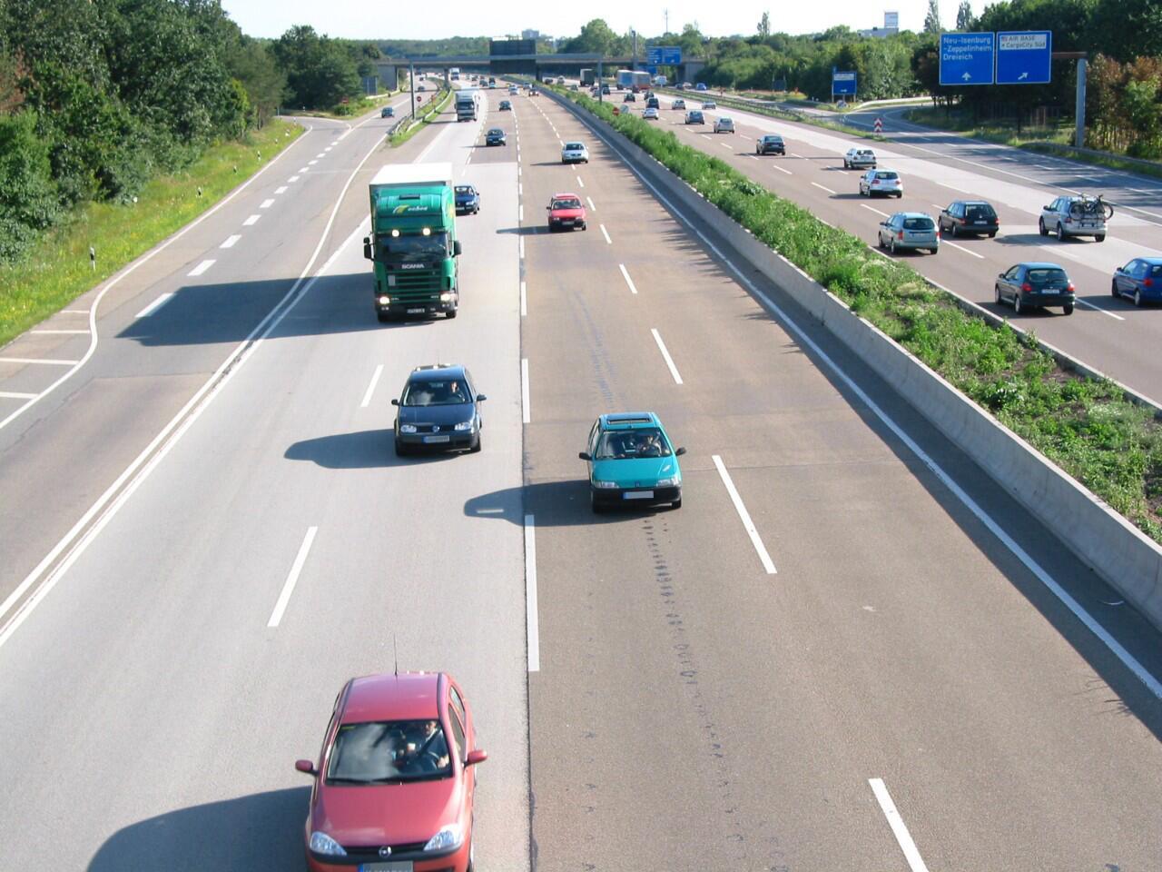 Bild zu Richtgeschwindigkeit: Auf der Autobahn werden 130 km/h empfohlen