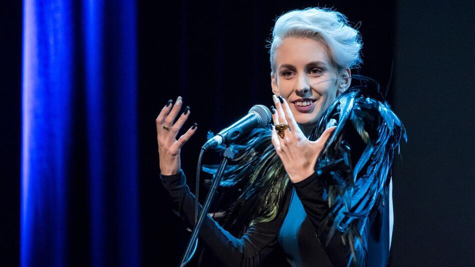 Österreichische Kabarettistin Lisa Eckhart von Festival ausgelade