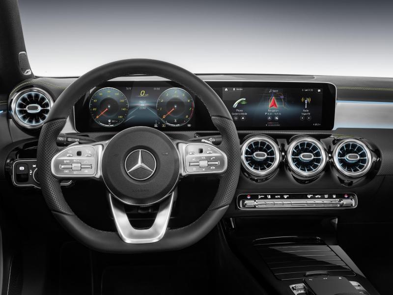 Bild zu Mercedes A-Klasse Cockpit