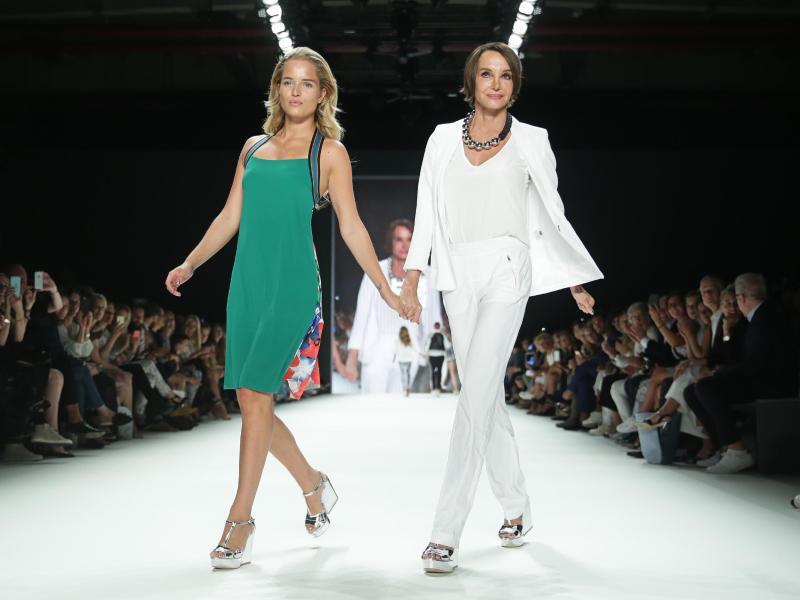 Bild zu Berliner Fashion Week - Riani