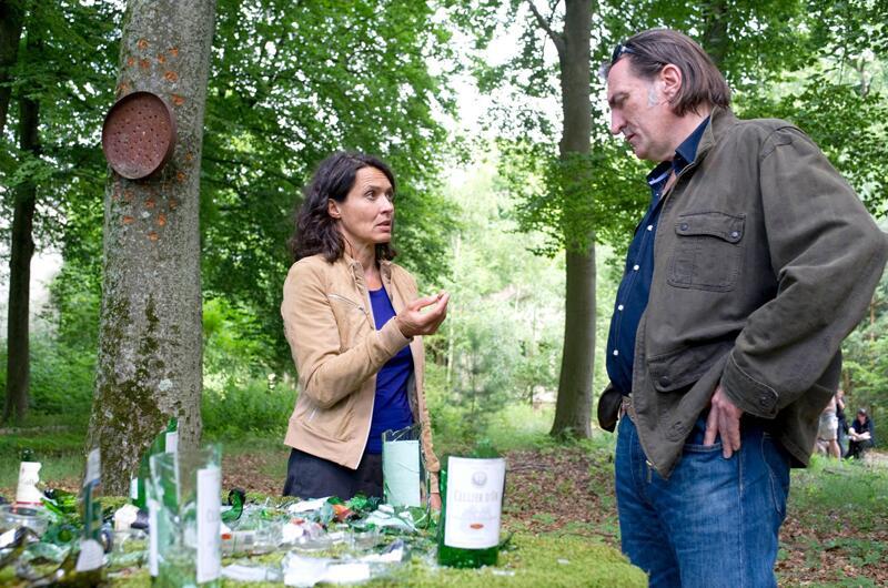 Bild zu Die Ludwigshafener Kommissare Odenthal (Ulrike Folkerts) und Kopper (Andreas Hoppe) ermitteln.