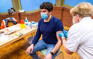 Coronavirus - Impfstart in Schulen und Kitas