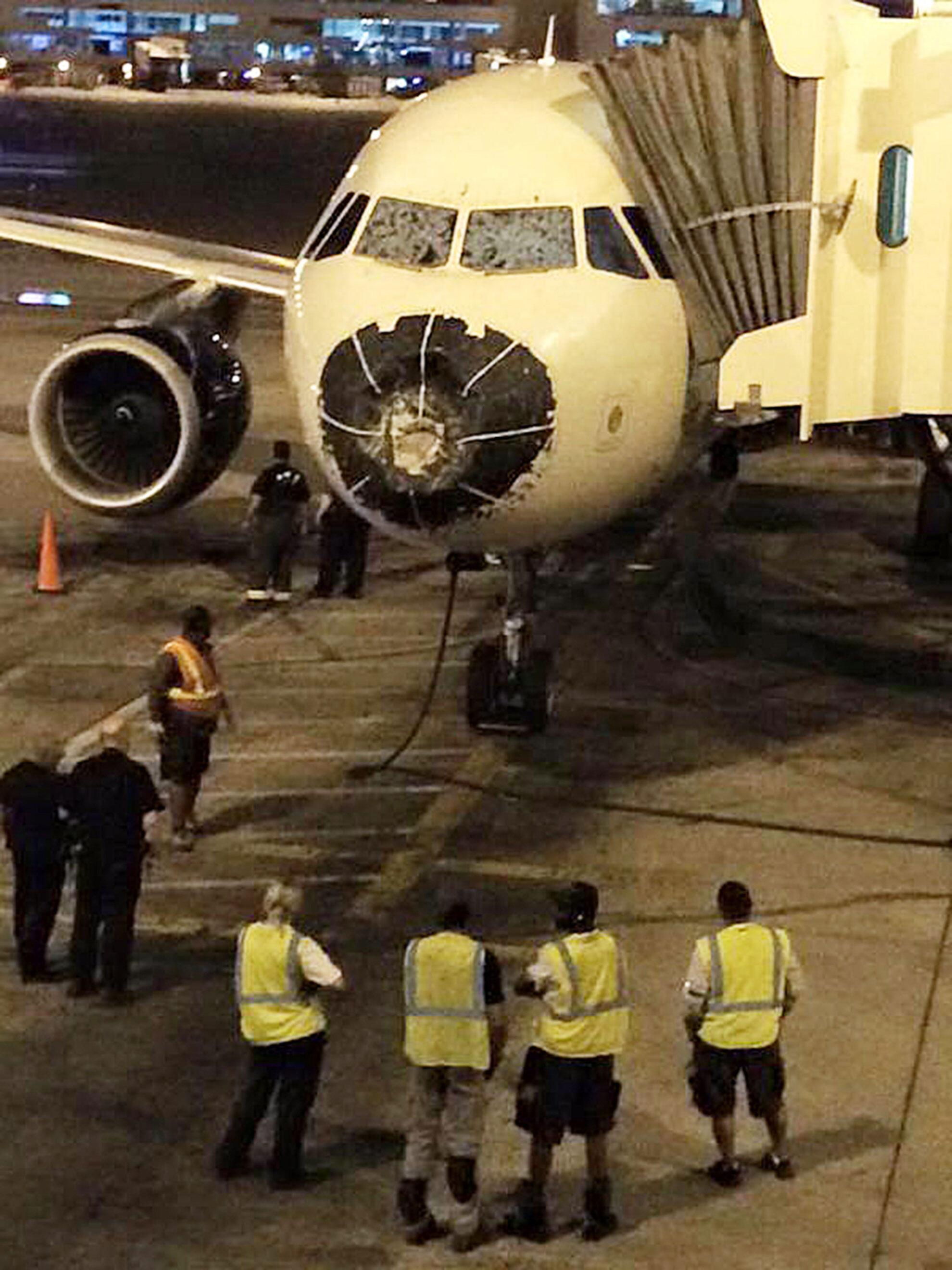 Bild zu Delta-Airlines-Maschine