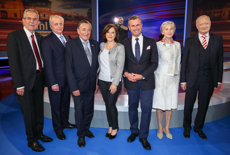 """Bild zu Alexander Van der Bellen, Irmgard Griss, Norbert Hofer bei Ingrid Thurnher in """"Runde der Kandidaten"""""""