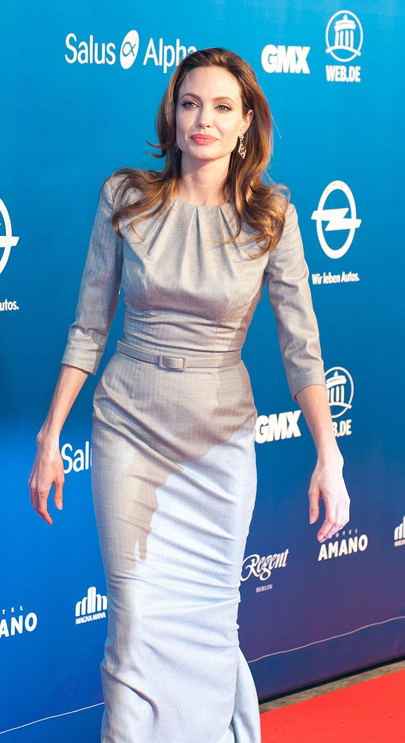 Bild zu Angelina Jolie bei Cinema for Peace 2012