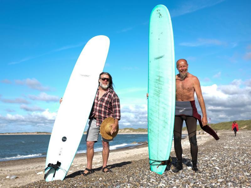 Bild zu Die Surfer Morten und Geir