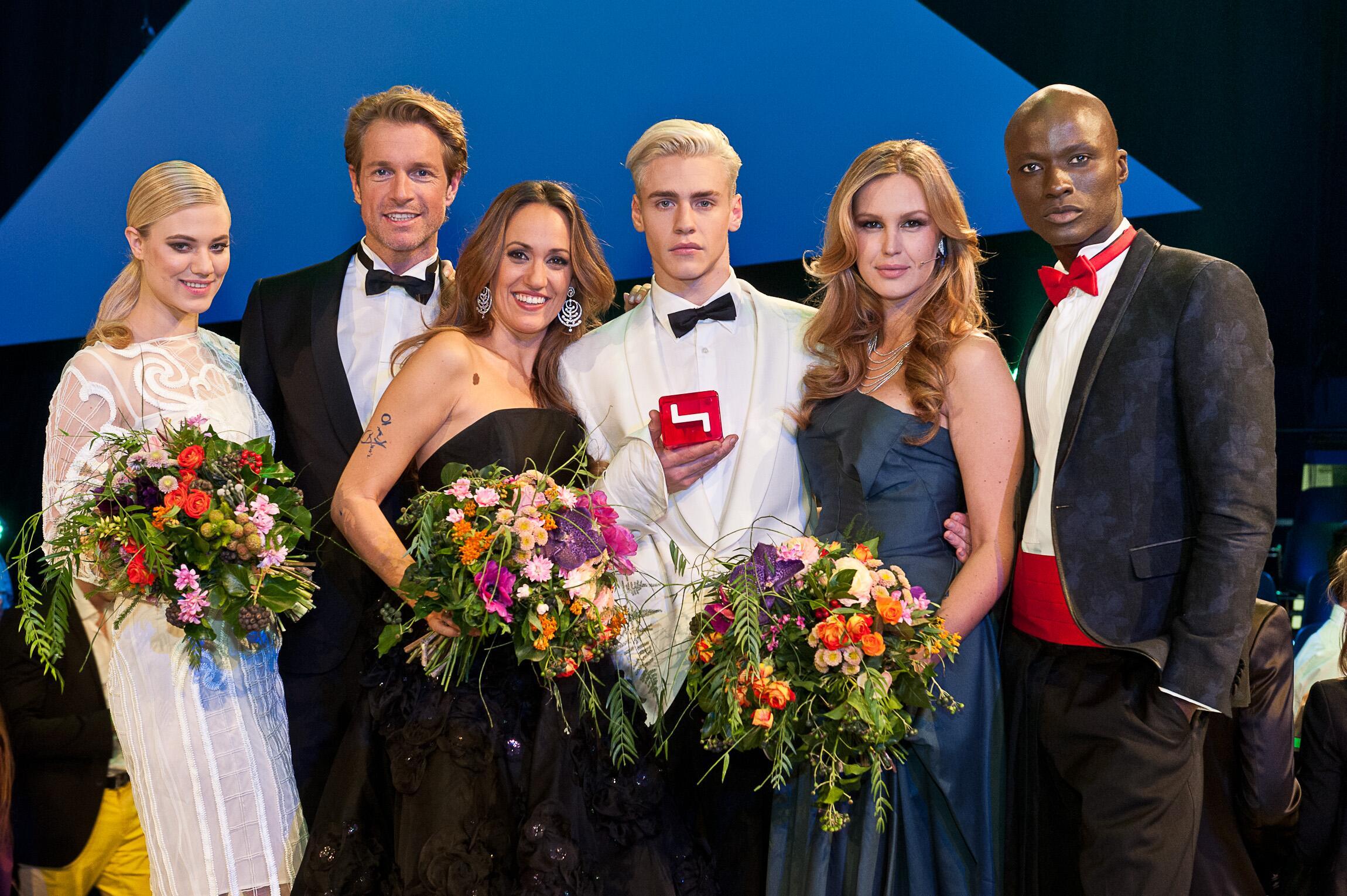 Bild zu Larissa Marolt, Michael Urban, Bianca Schwarzjirg, Oliver, Melanie Scheriau, Papis Loveday