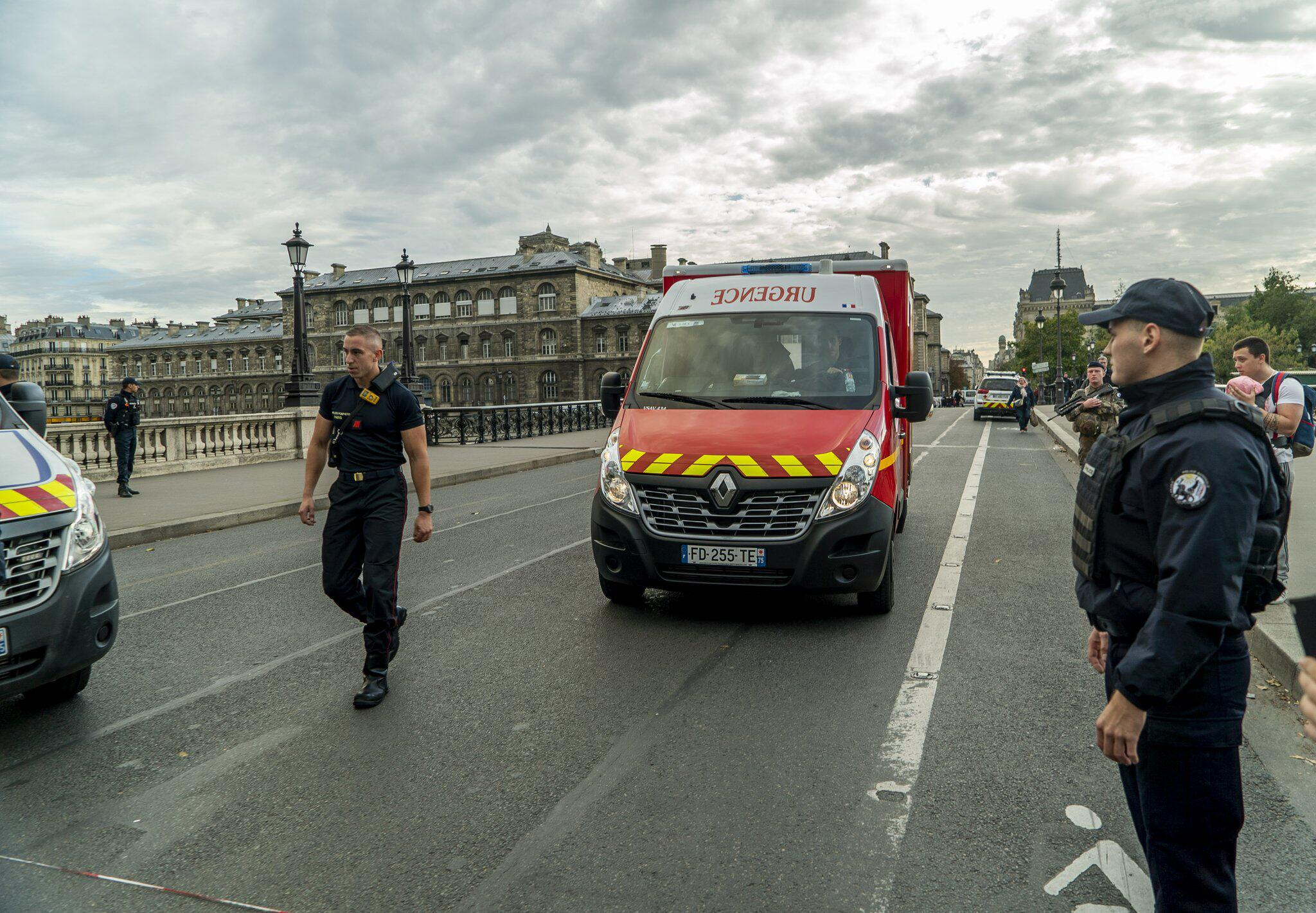 Bild zu Knife attack in Paris