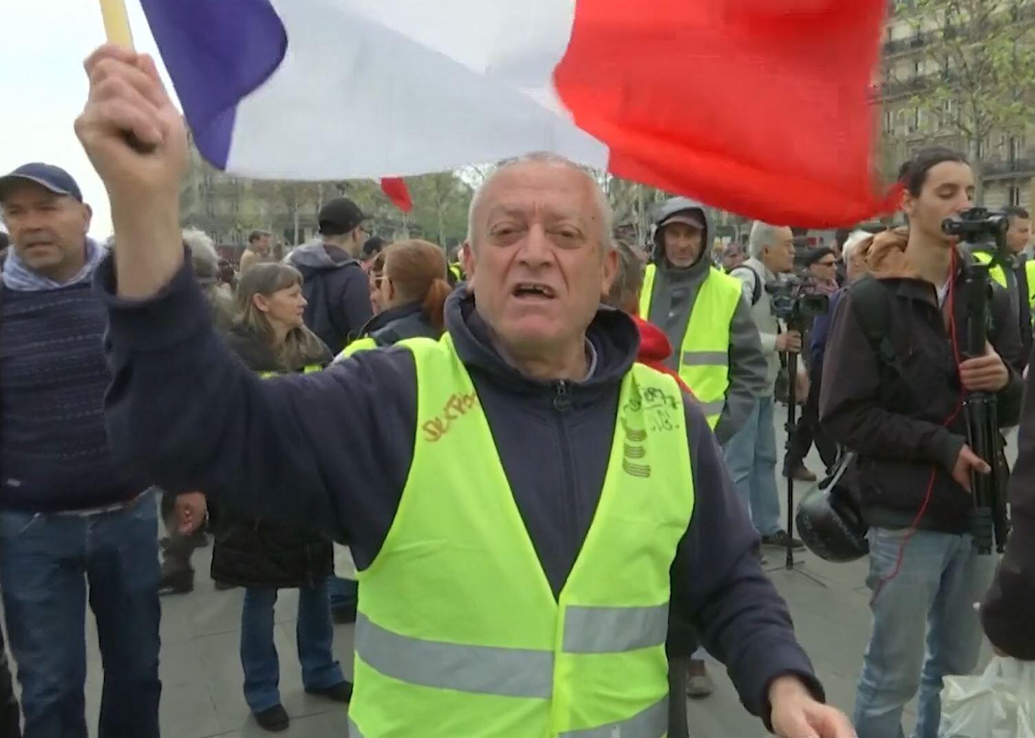 Bild zu Gelbe Westen gegen Macron