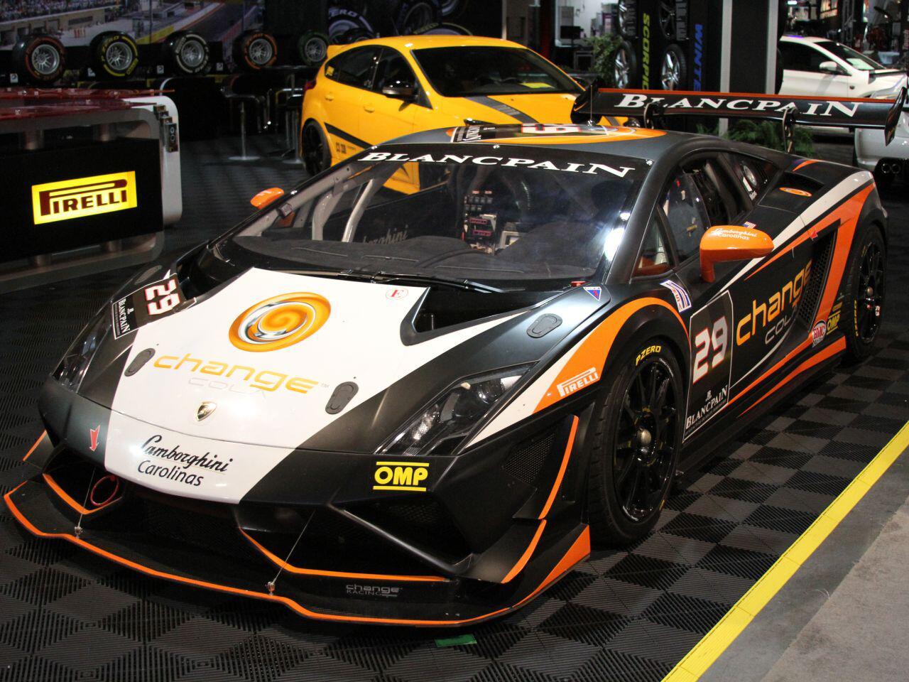 Bild zu Lamborghini Gallardo von Pirelli Tire: Hier geht vor allem optisch die Post ab