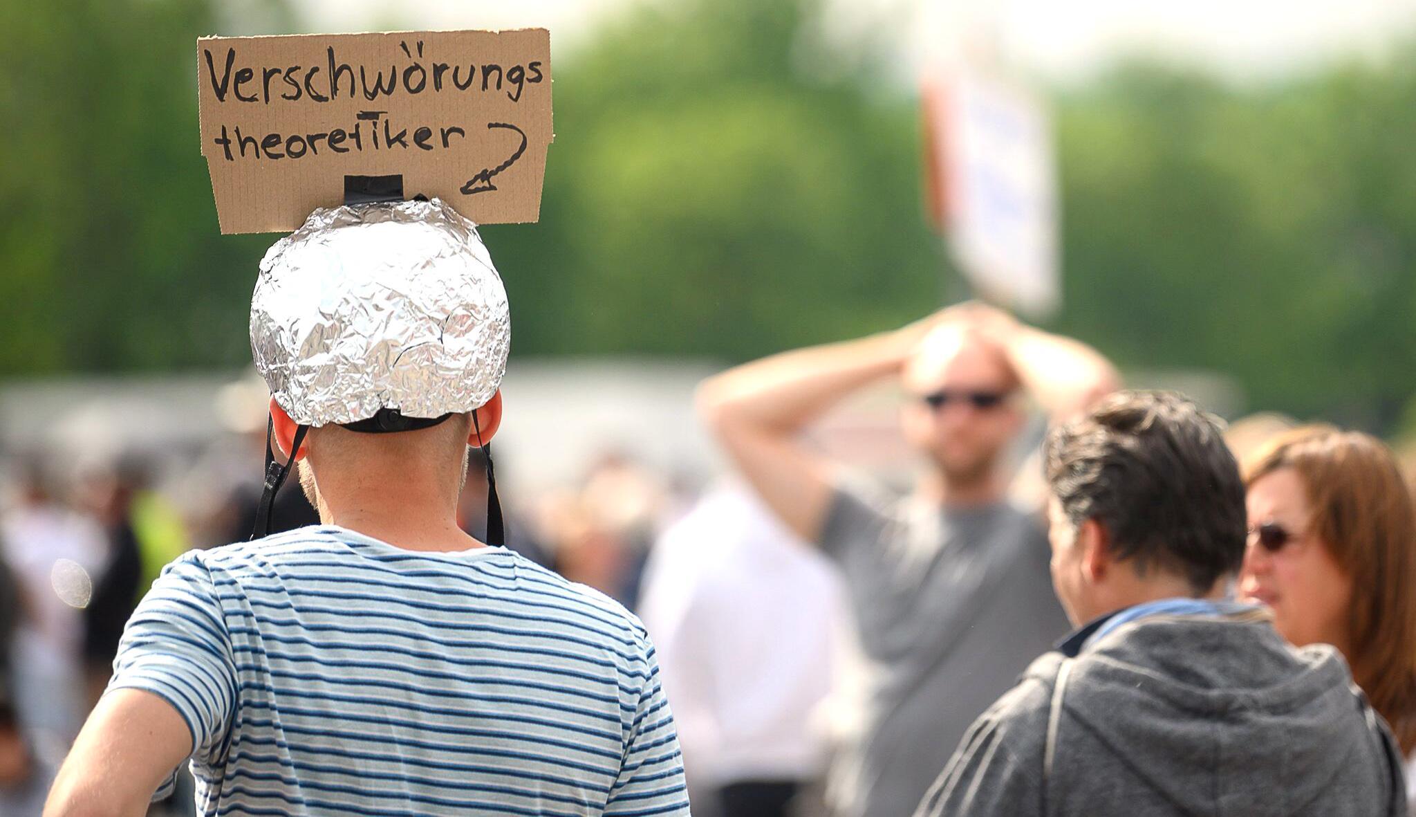 Bild zu Coronaviurs - Demonstration in Stuttgart