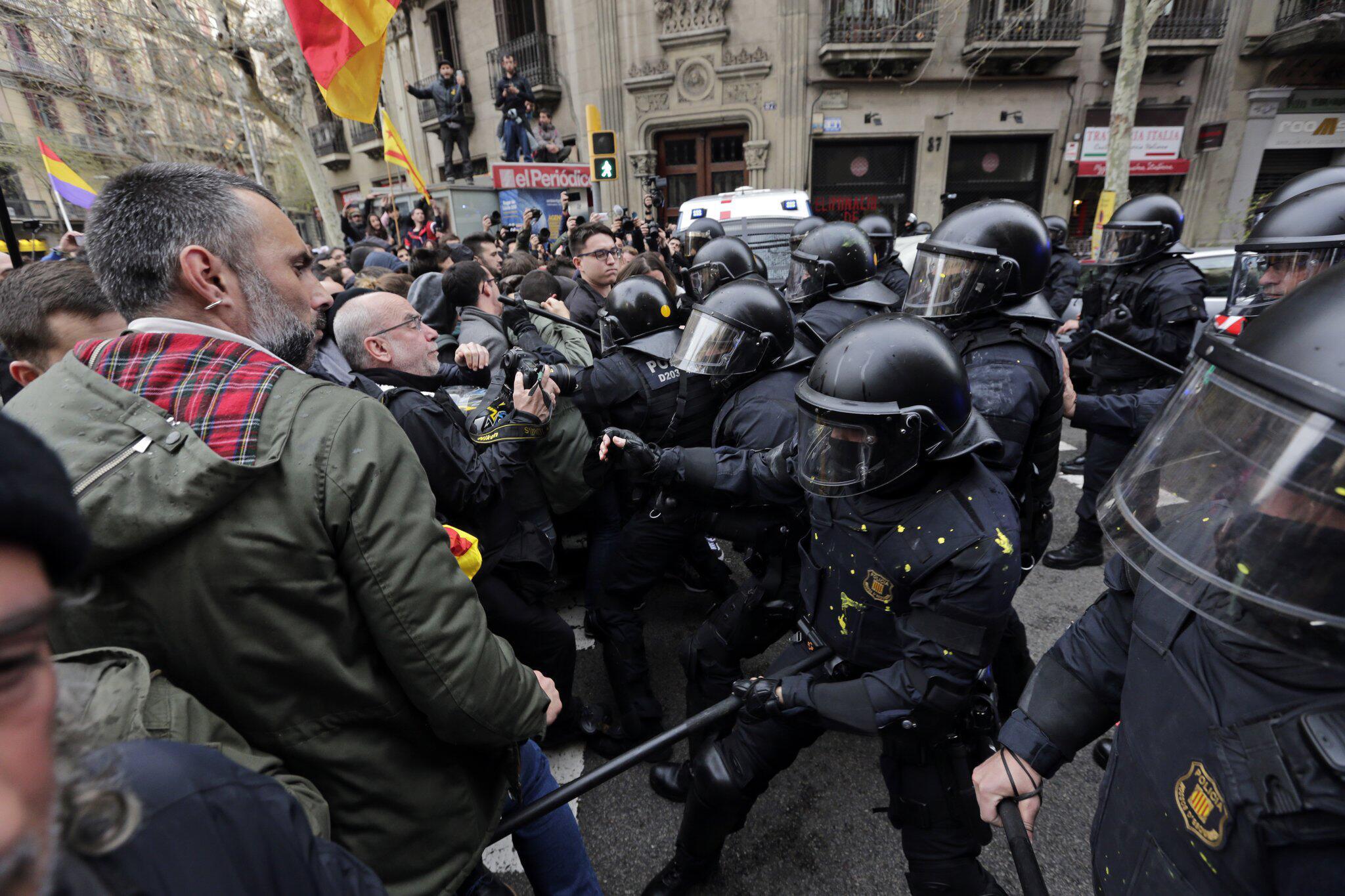 Bild zu Puigdemont in Deutschland festgenommen
