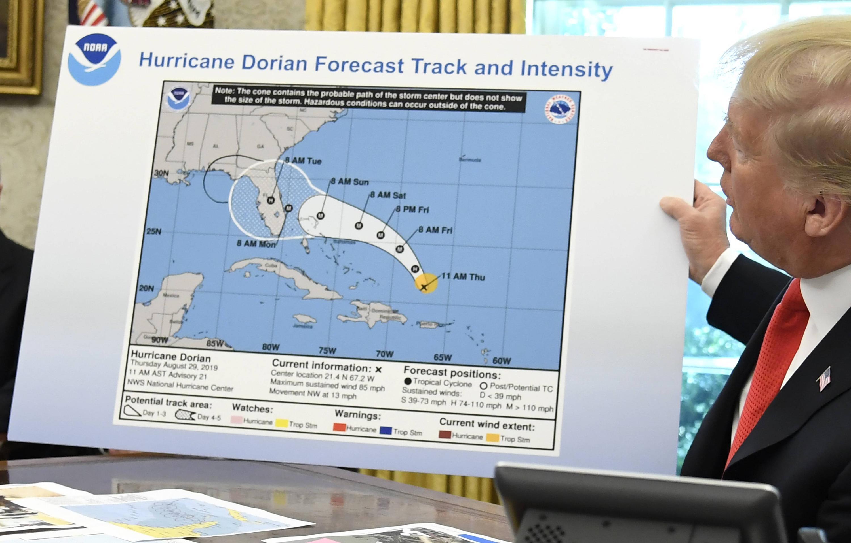 Bild zu Donald Trump, USA, Weißes Haus, Wahington, Hurrikan, Dorian, Karte, Vorhersage, Alabama