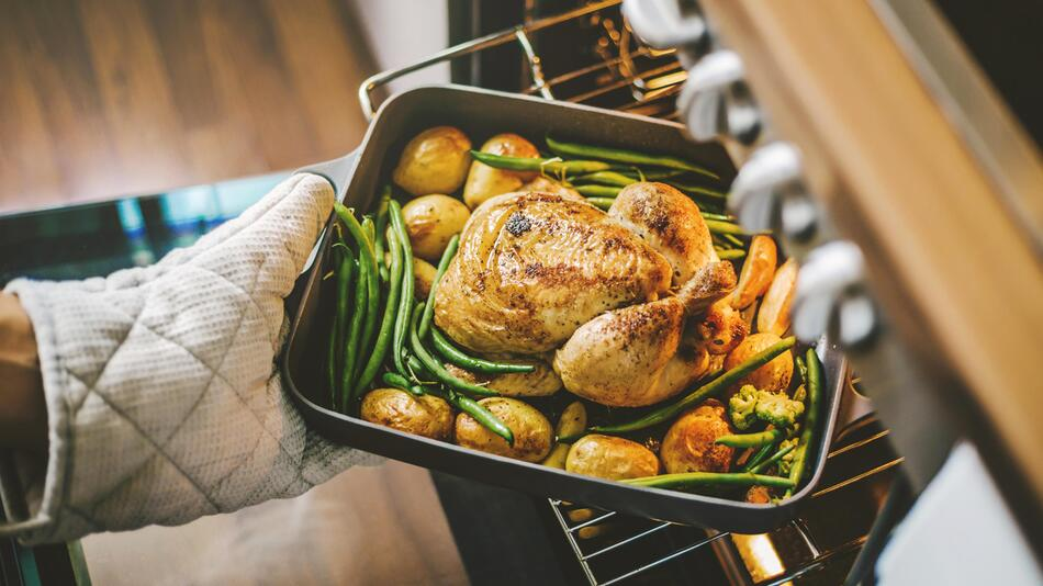 ofen, backen, braten, römertopf, kochen, küche, essen, utensilien, weihnachten