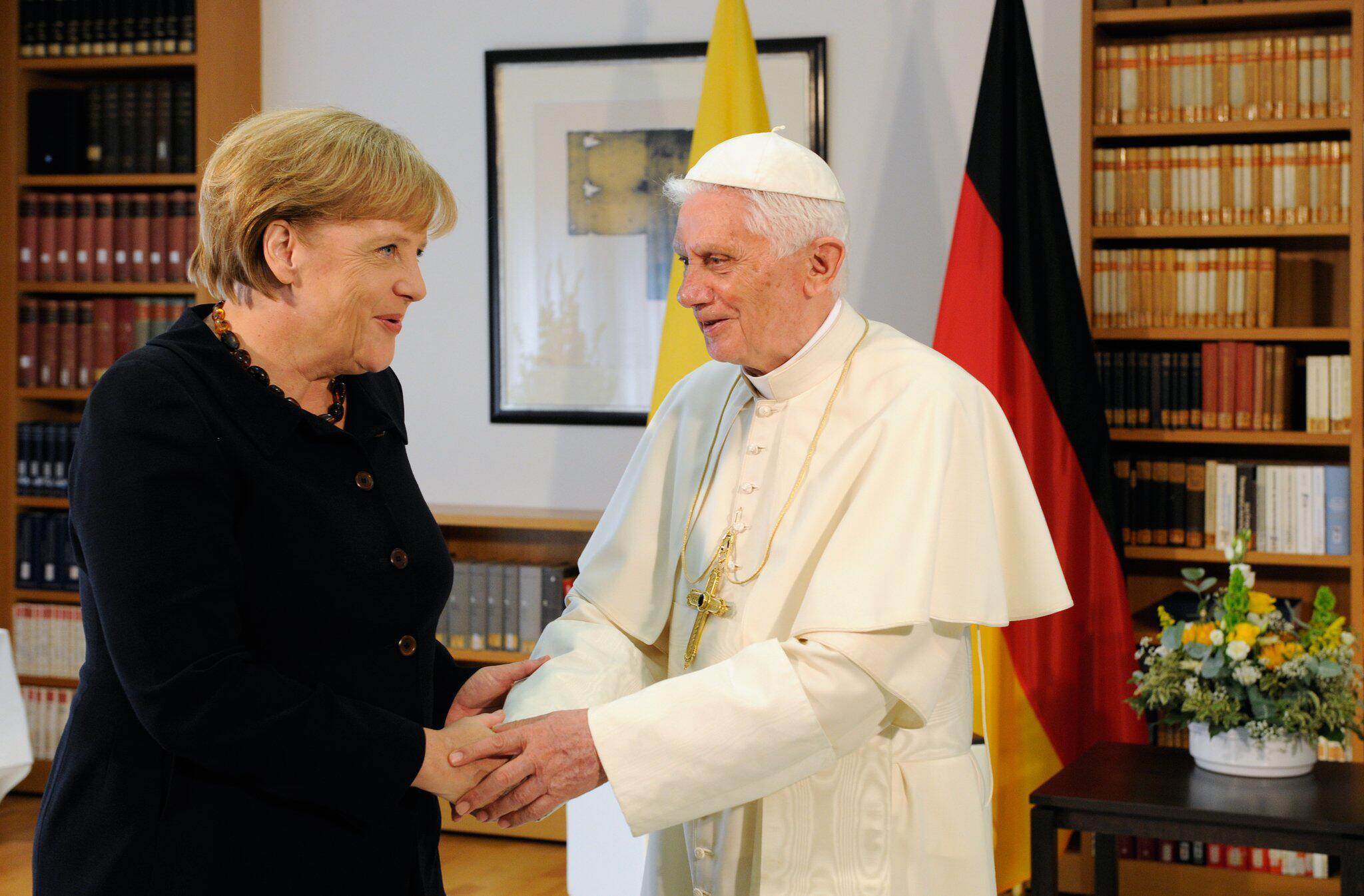 Bild zu Papst Benedikt, Angela Merkel