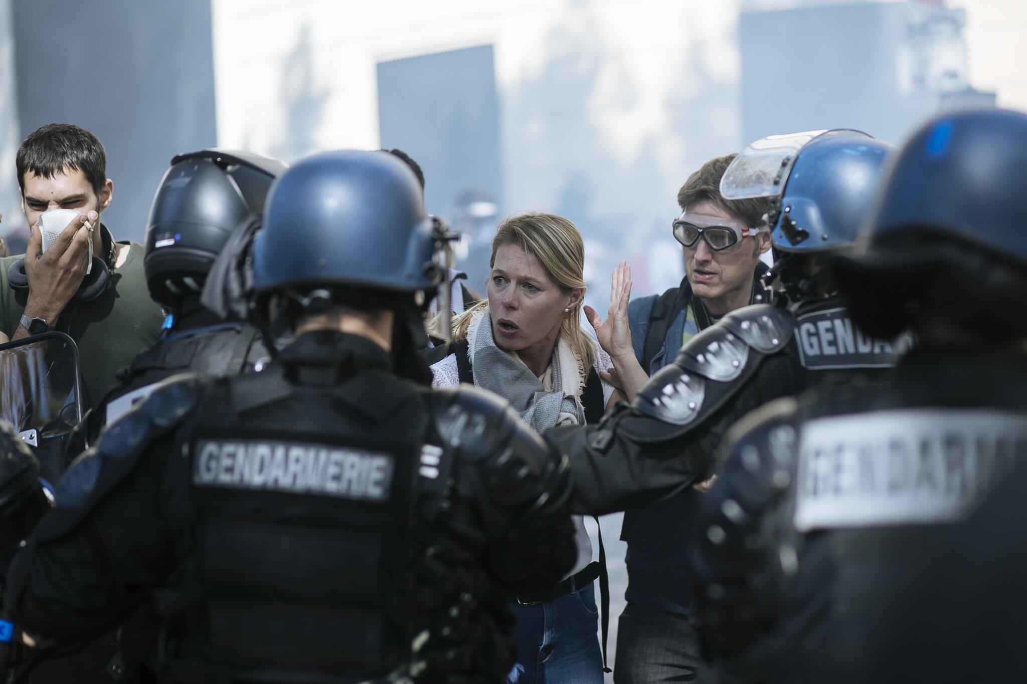 Bild zu Gelbwesten-Proteste in Paris