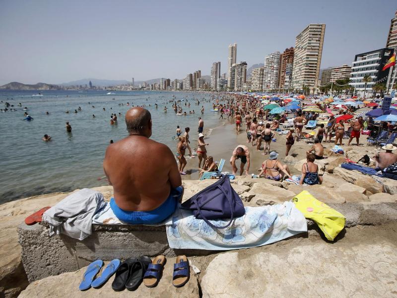 Bild zu Touristen in Spanien
