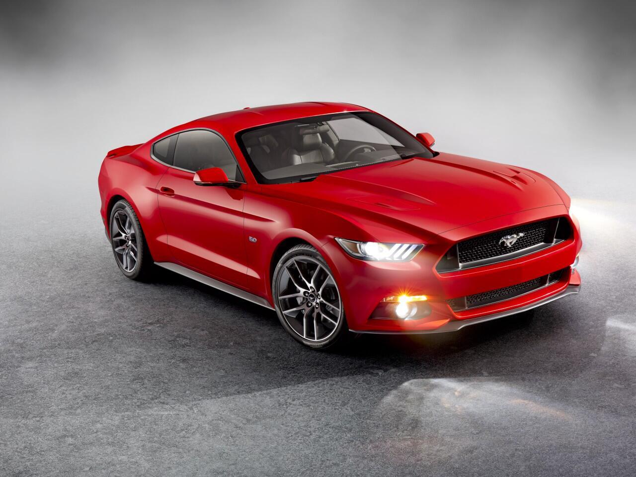 Bild zu Auch heute noch lässt der Ford Mustang das Adrenalin ins Blut schießen