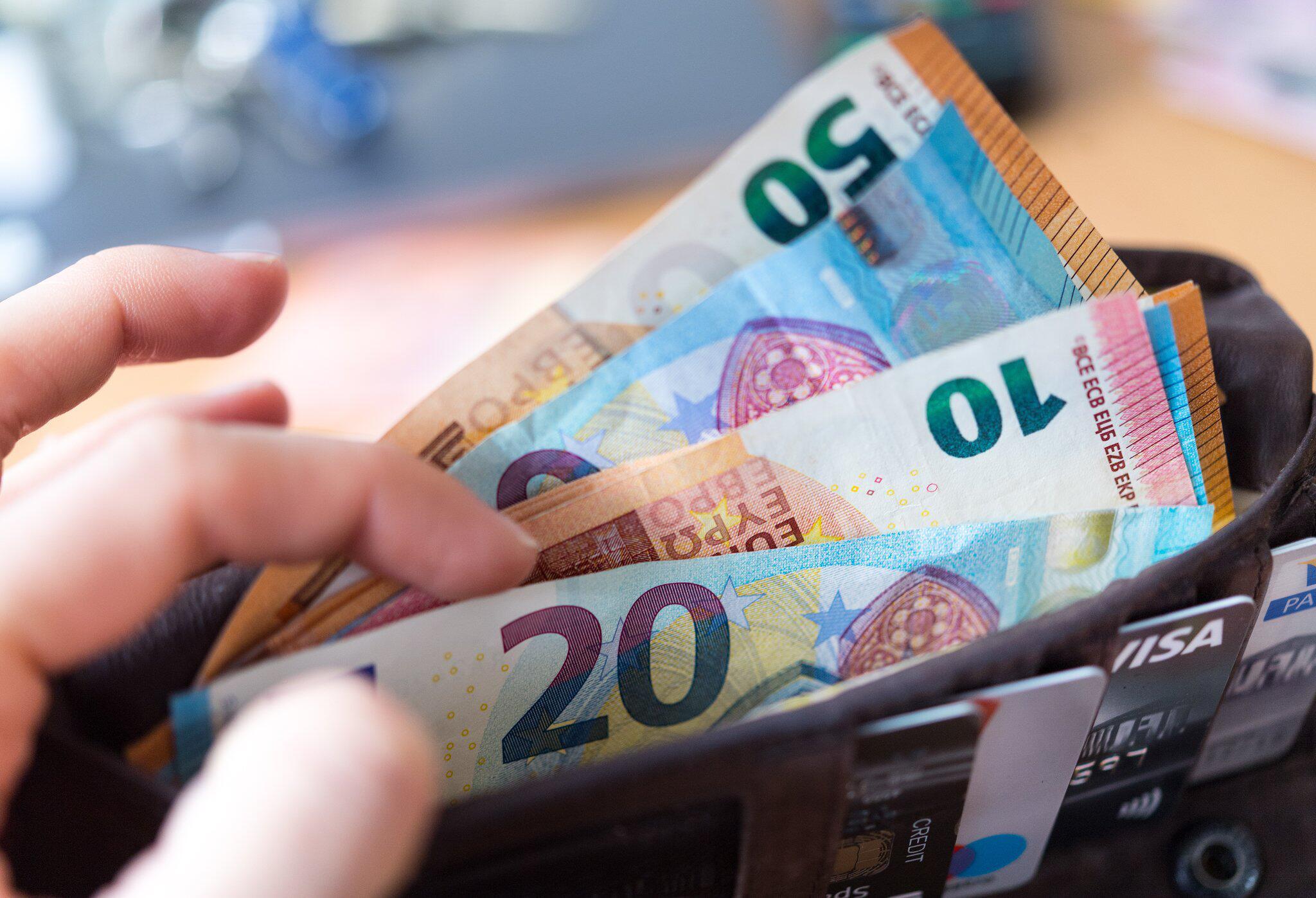 Bild zu Geld