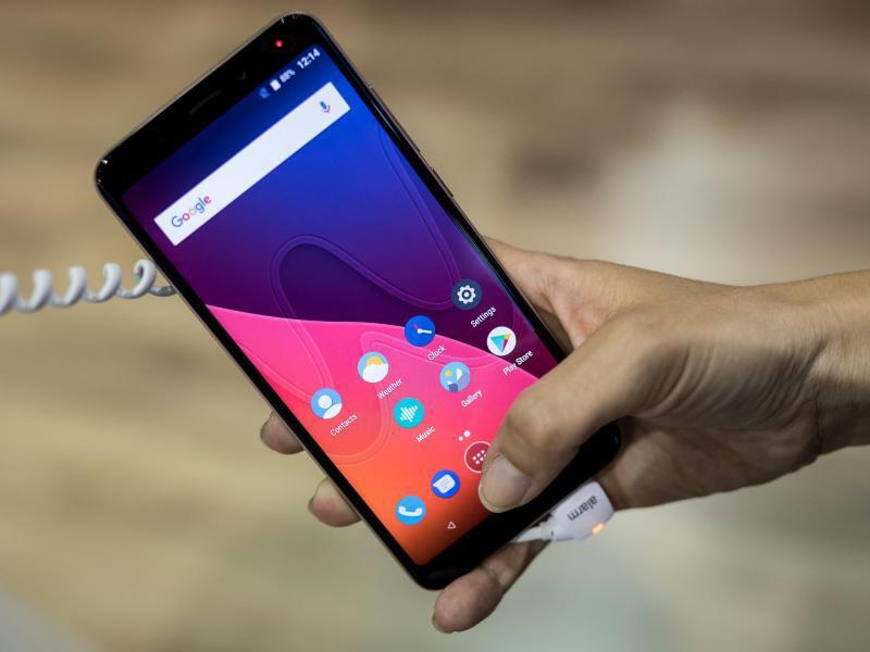 Bild zu Wikos Smartphone im 18:9-Format