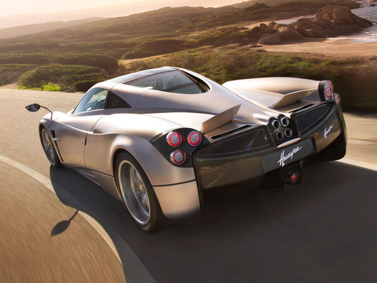 Bild zu Platz 9: Der Pagani Huayra schafft laut Hersteller rund 370 km/h