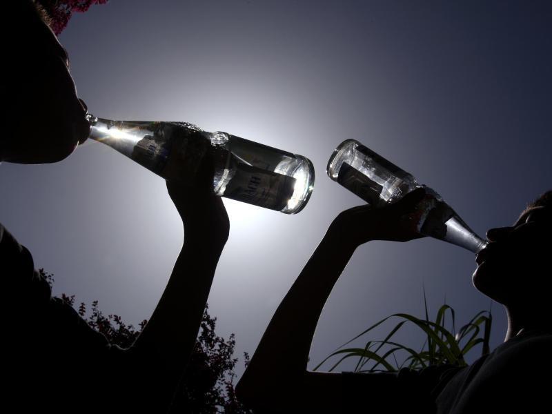 Bild zu Viel trinken
