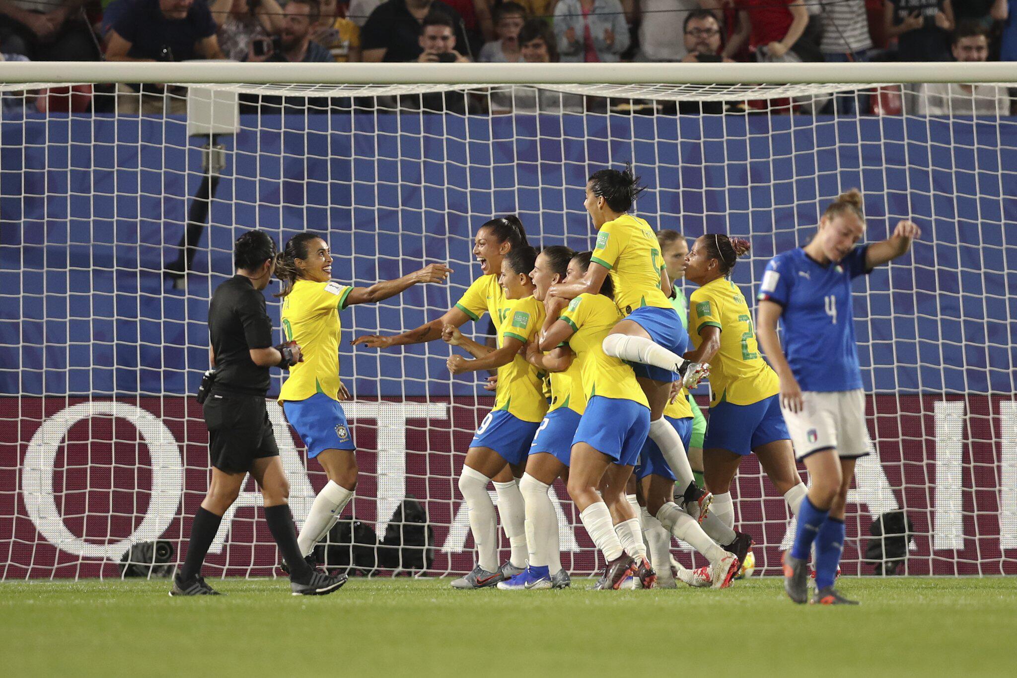 Bild zu Frauenfußball-WM -Italien - Brasilien