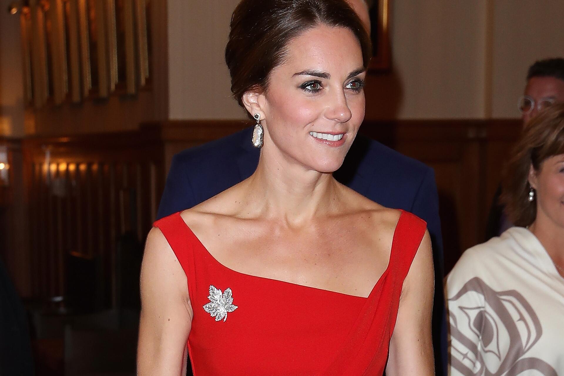 Bild zu Herzogin Kate, Kleid, rot