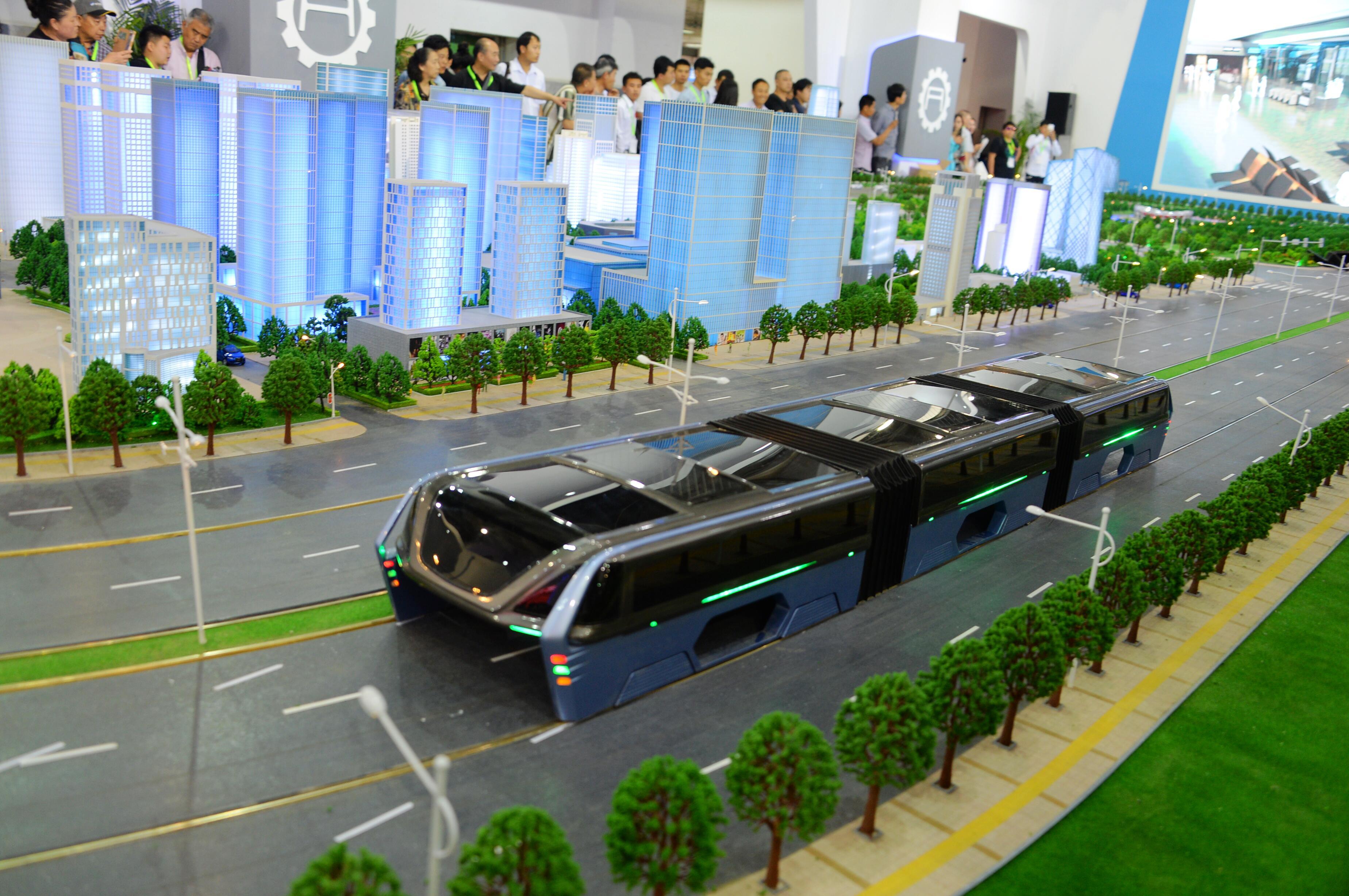 Bild zu Bus Auto Stau China