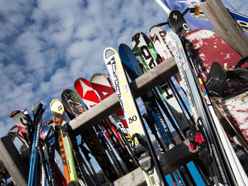 Bild zu Skie-Verleih