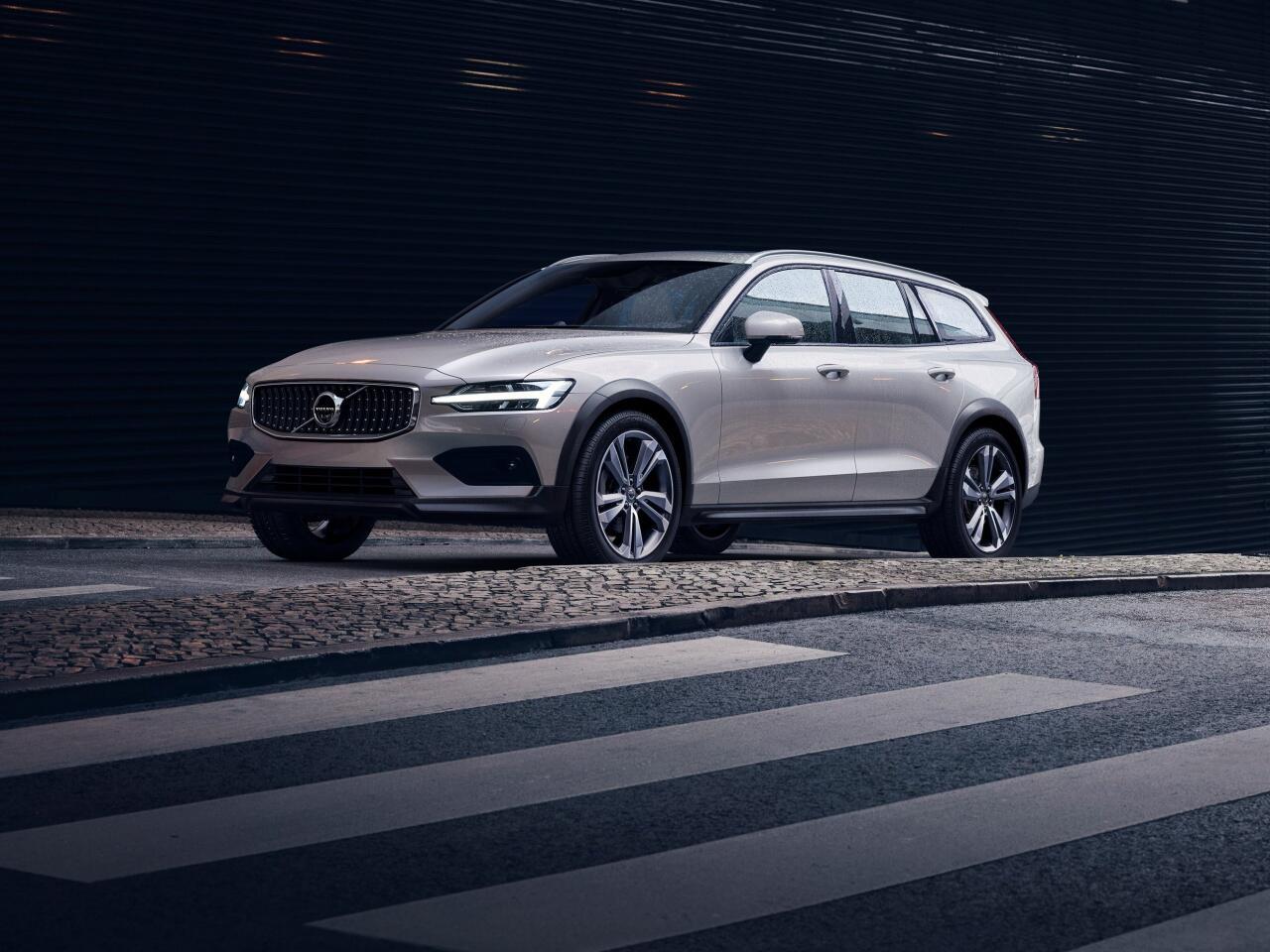 Bild zu Schick durchs Unterholz: So kommt der neue Volvo V60 Cross Country