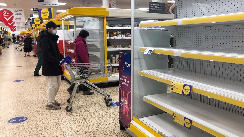 Coronavirus - leere Supermärkte in Großbritannien