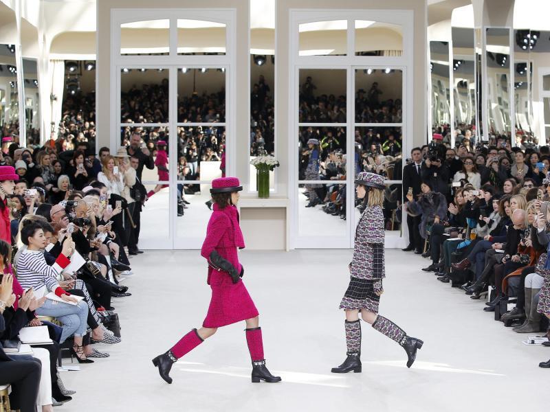 Bild zu Chanel auf der Paris Fashion Week