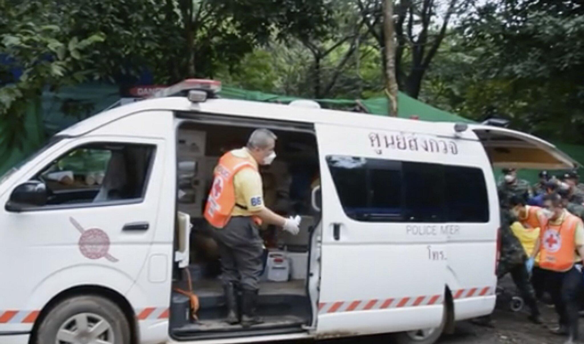 Bild zu Höhlendrama Thailand - Rettungsaktion