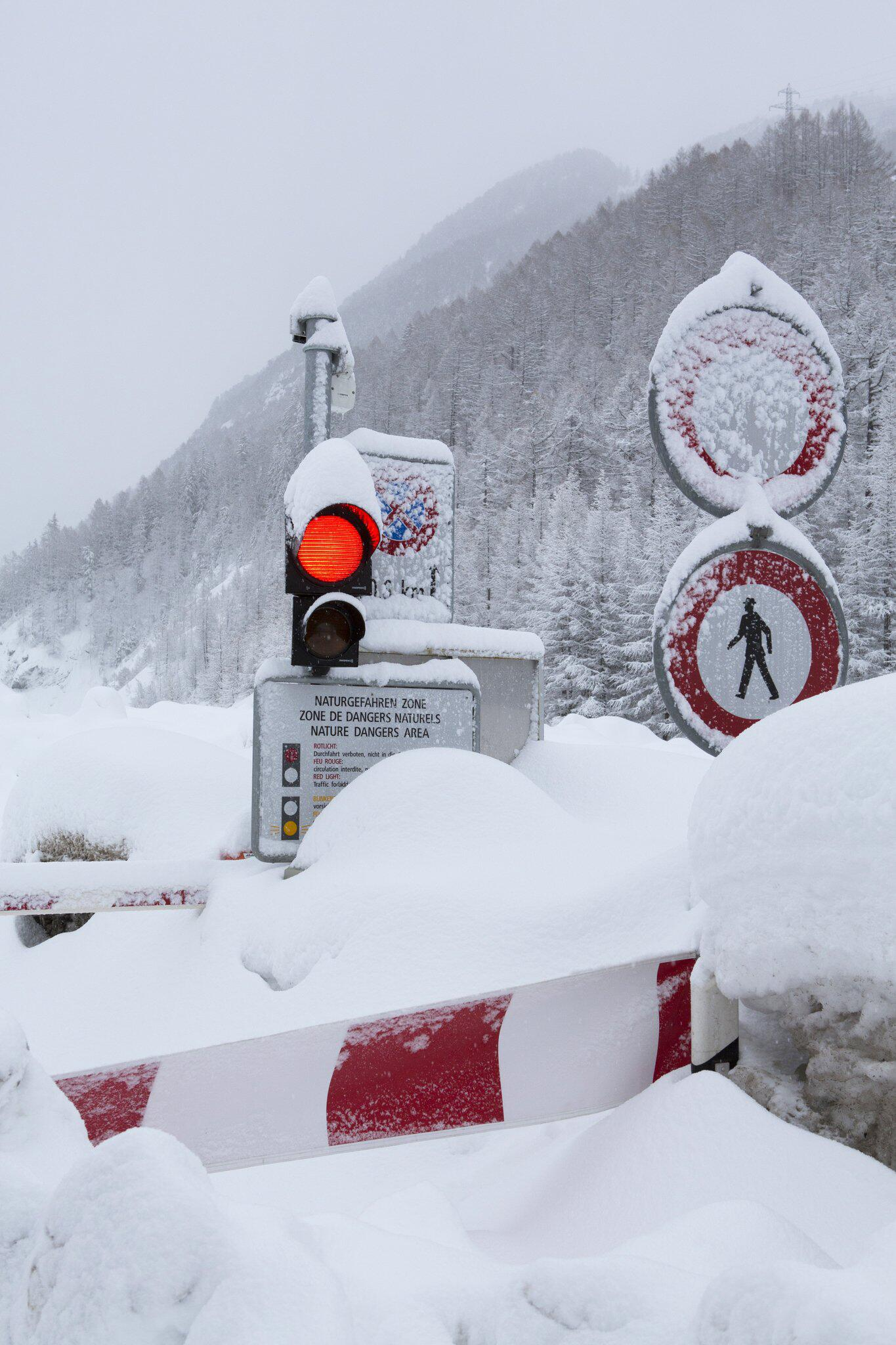 Bild zu Straße nach Zermatt gesperrt