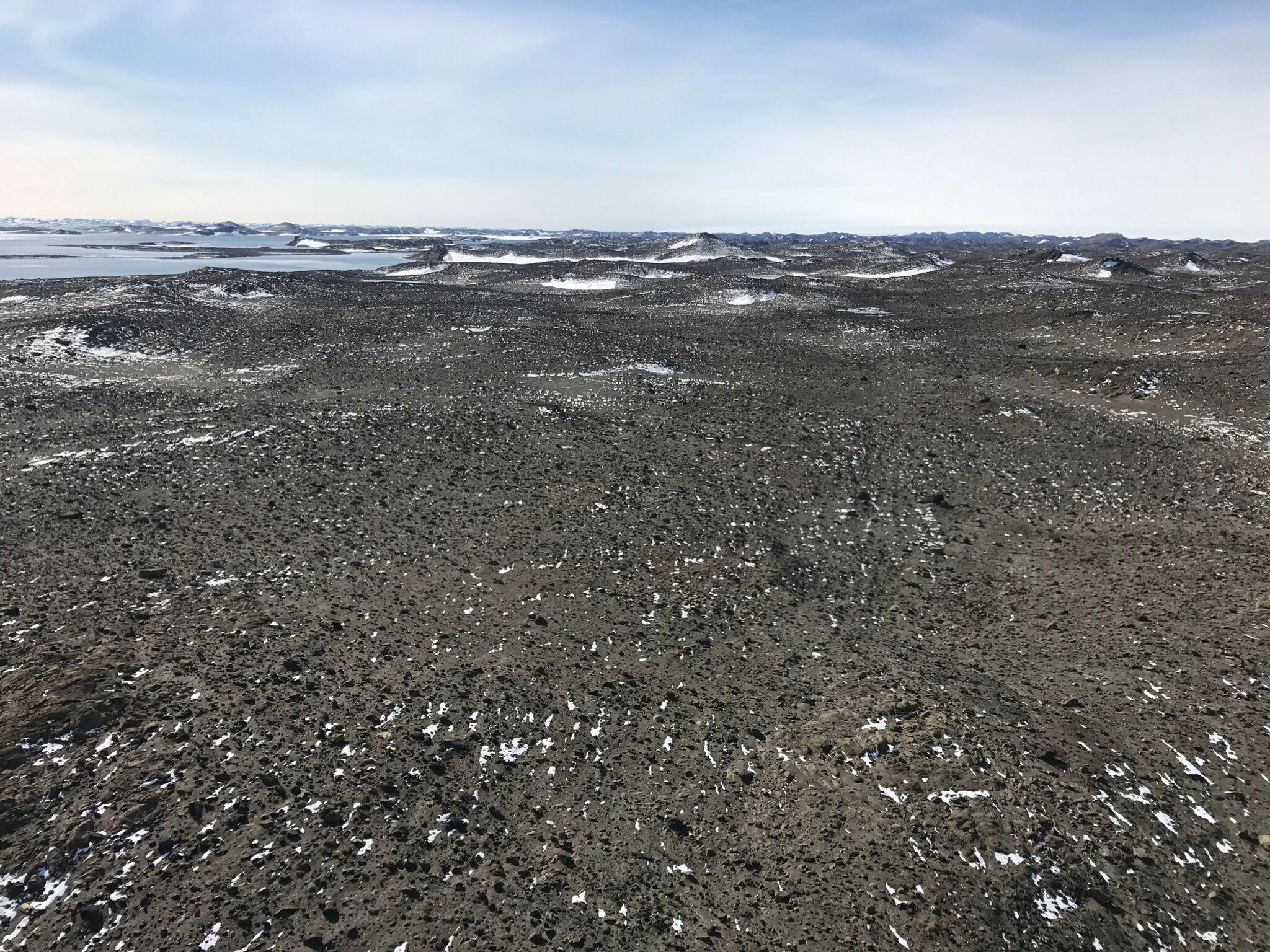Bild zu Ein Flughafen am Südpol