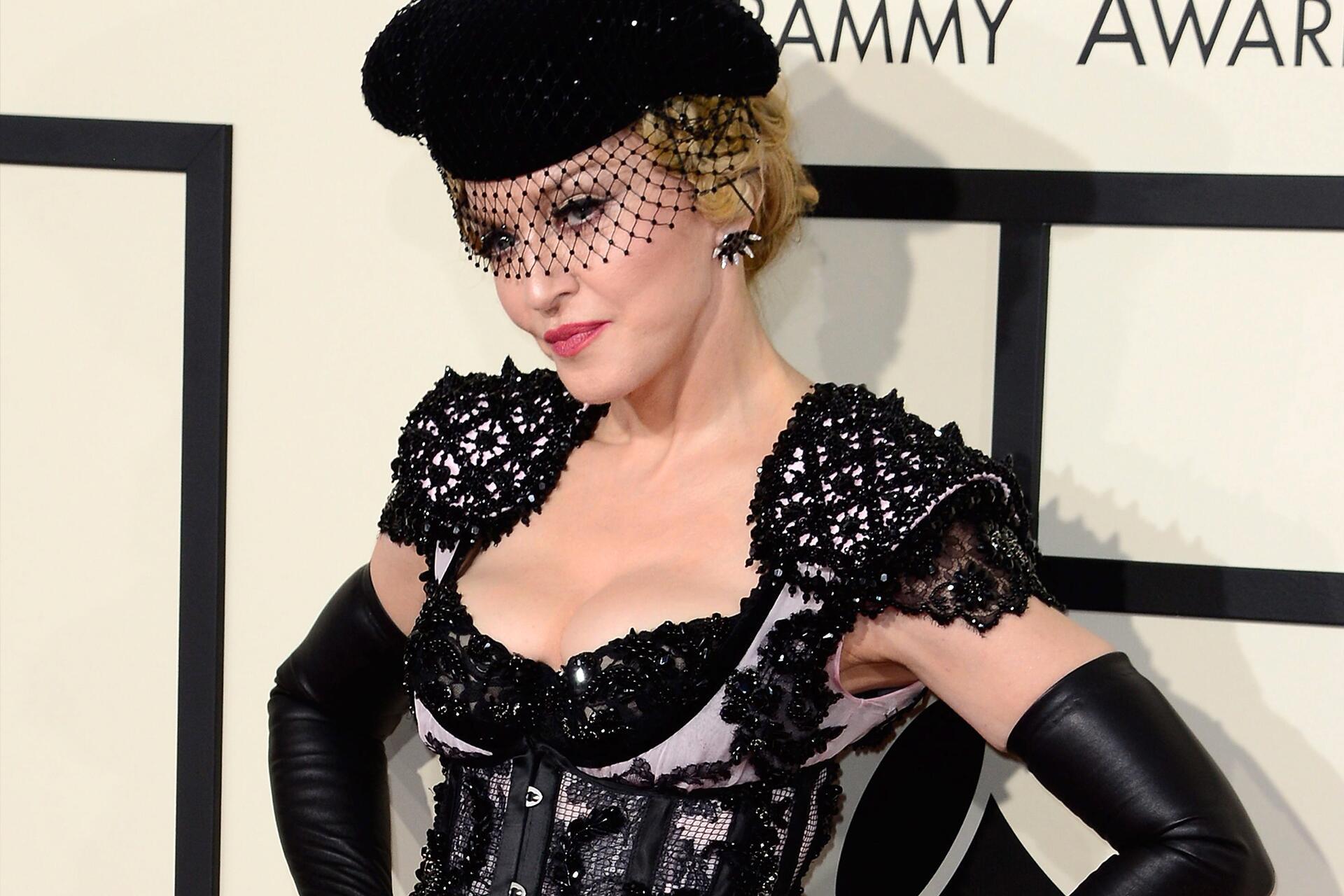 Bild zu Madonna, sexy, Auftritt, Amy Schumer. Blowjob