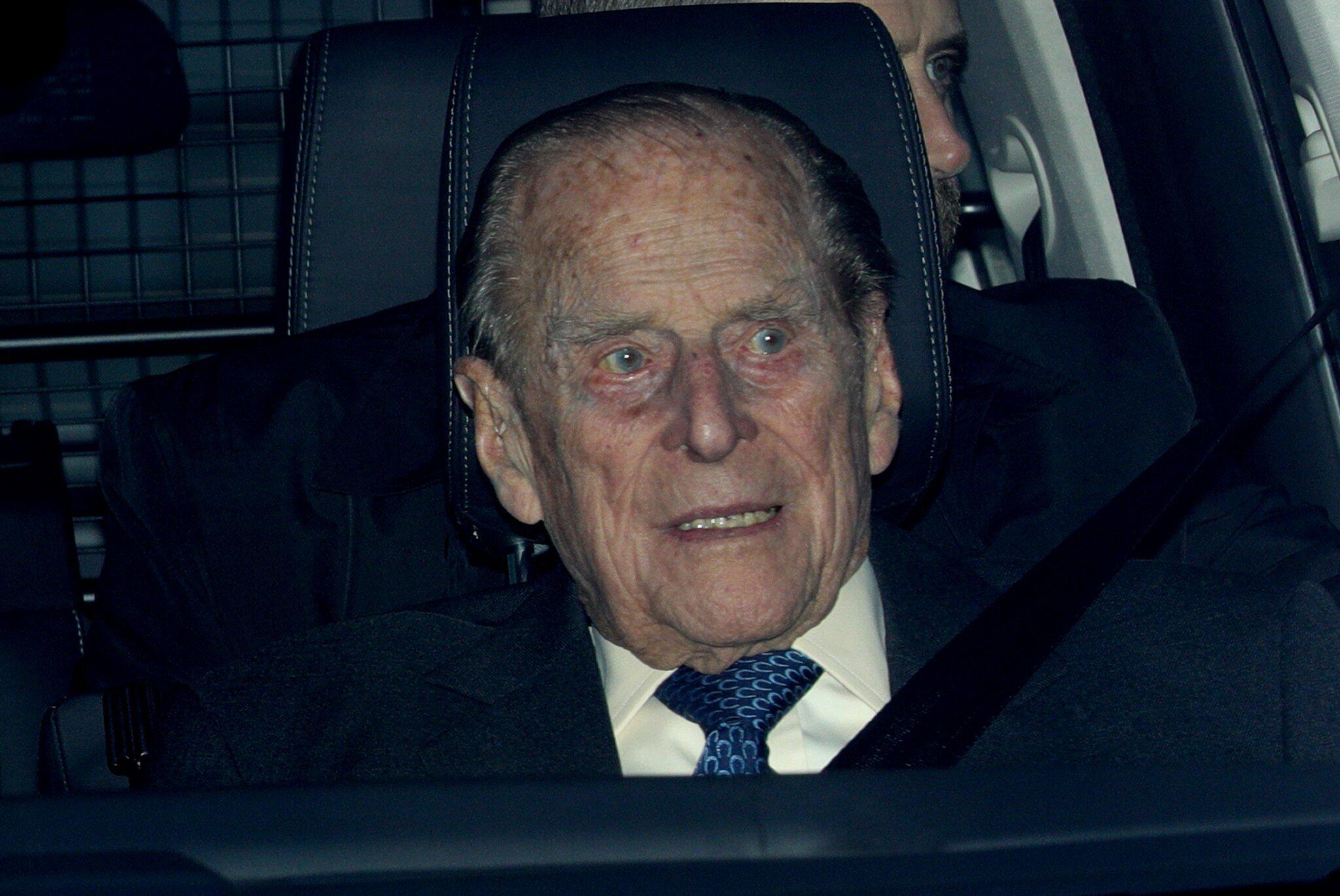 Bild zu Prinz Philip in Autounfall verwickelt
