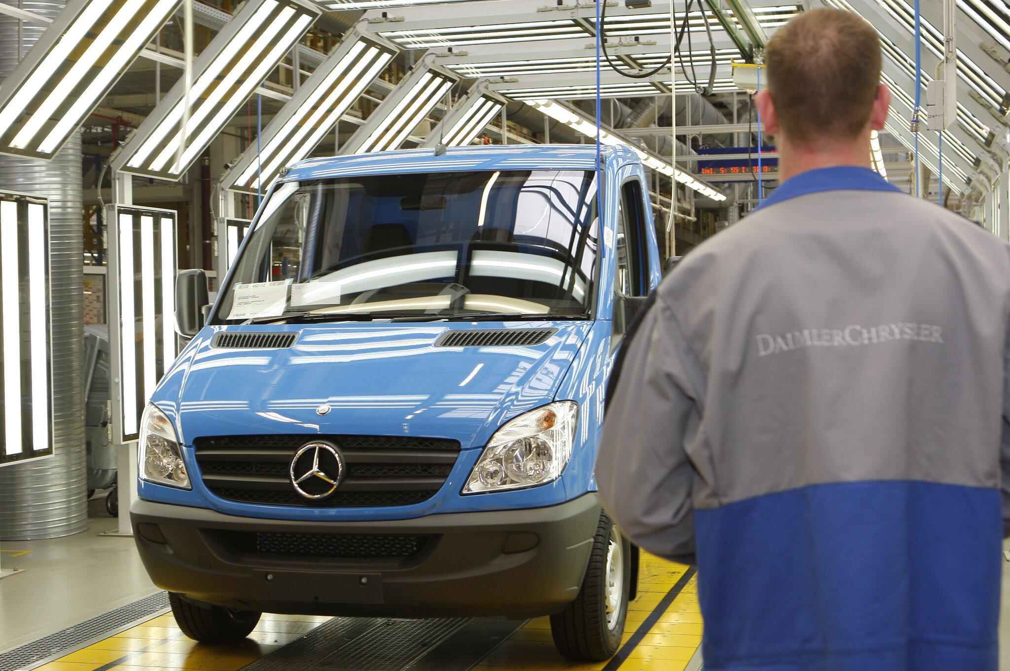 Bild zu Abgas-Manipulationsverdacht bei Daimler-Transportern