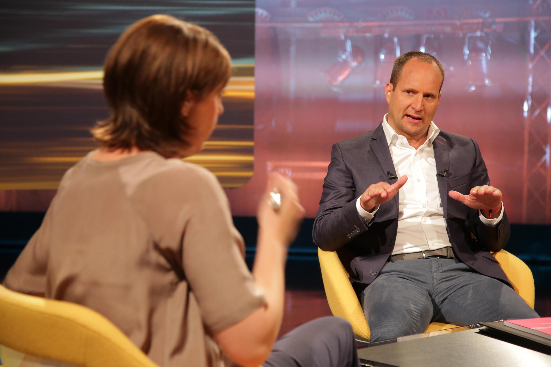 Bild zu Susanne Schnabl sprach mit Neos-Chef Matthias Strolz.