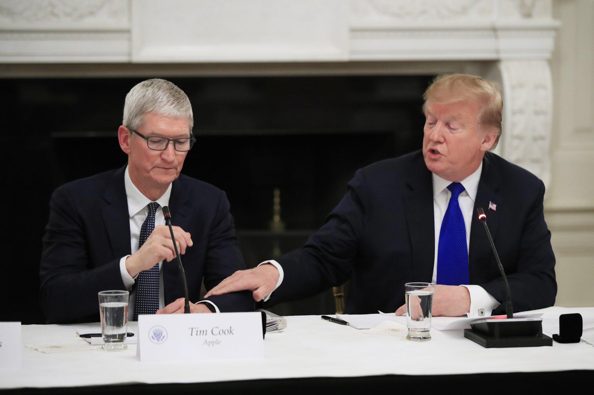Bild zu Apple-Chef Cook zu Besuch im Weißen Haus