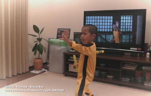 Bruce Lee-Kind