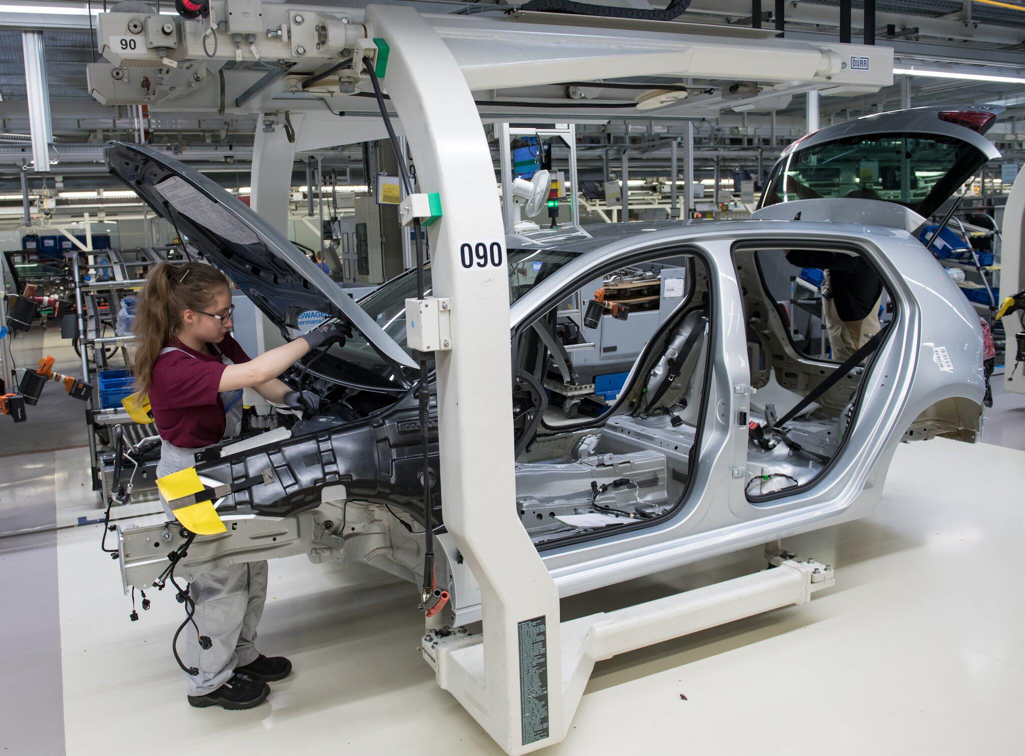 Bild zu Volkswagen setzt auf E-Autos aus Zwickau