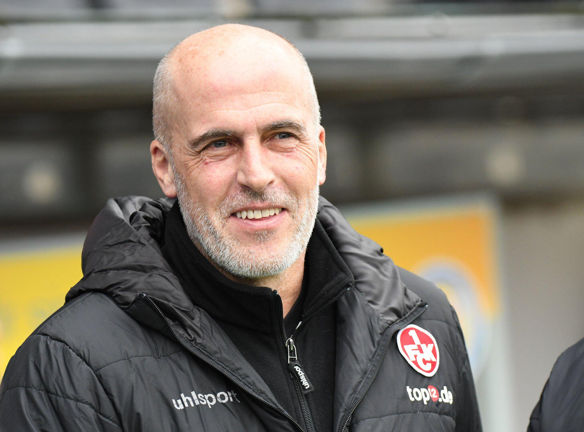 Bild zu Kaiserslauterns Trainer Michael Frontzeck