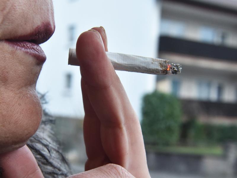 Bild zu Rauchen auf dem Balkon
