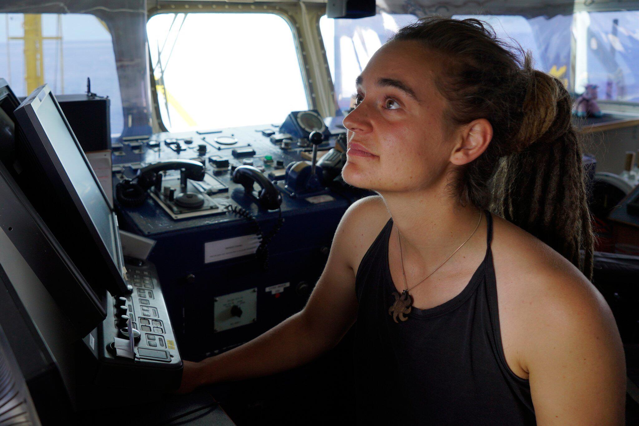 Bild zu Seenotrettung im Mittelmeer - Carola Rackete