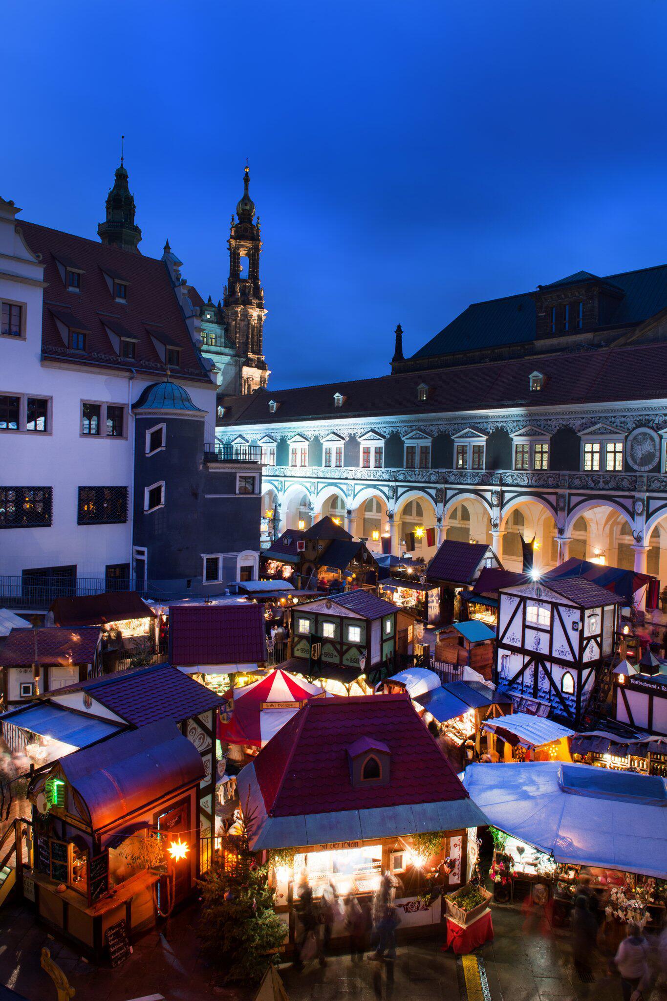 Bild zu Mittelalterlicher Weihnachtsmarkt im Stallhof