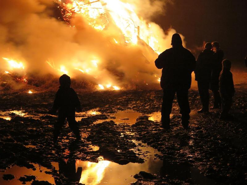Bild zu Feuerspektakel